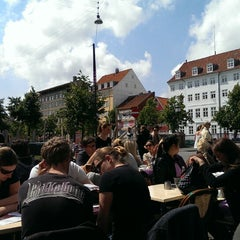 Photo taken at Café Oven Vande by Heleenvanlier on 6/28/2013