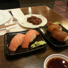 Photo taken at Restaurante Japonés Fuji by Francisco Javier F. on 1/2/2014