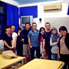Photo taken at Lembaga Indonesia Perancis (LIP/CCF Yogyakarta) by Indra R. on 12/24/2013