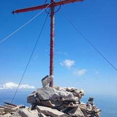 Photo taken at вр. Безбог, 2645м / Bezbog peak, 8677ft by Vesselin G. on 8/20/2014