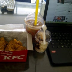 Photo taken at KFC by AQSO S. on 8/31/2013