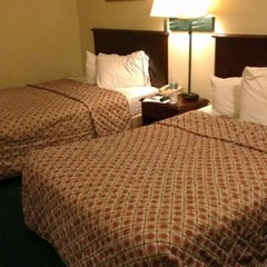 Photo taken at Red Roof Inn Kissimmee - Lake Buena Vista South by Ariadi Sastra G. on 10/29/2012
