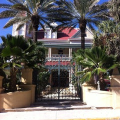 Photo taken at The Southernmost House by Moises R. on 10/11/2014