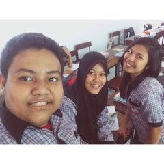Photo taken at SMA Negeri 17 Makassar by Muhammad A. on 8/28/2014