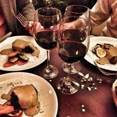 Photo taken at Magnolia Restaurant by Ismael B. on 12/31/2012
