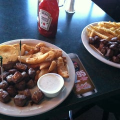 Photo taken at Bogey's by Henry N. on 11/7/2012