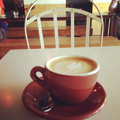 Photo taken at Giant Coffee by Gabe W. on 11/28/2012