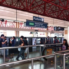 Photo taken at Jurong East MRT Interchange (NS1/EW24) by Han Teik T. on 11/9/2013