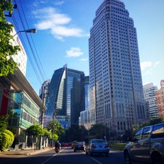 Photo taken at แยกอโศก (Asok Intersection) by anne_xmas on 9/13/2014