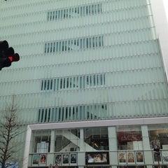 Photo taken at 新宿ピカデリー by Yosuke O. on 1/6/2013