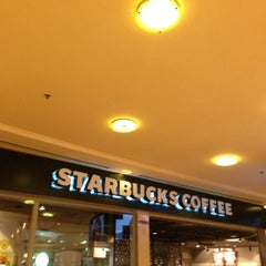Photo taken at Starbucks | ستاربكس by MBuftain on 8/28/2013