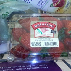 Photo taken at Stop & Shop by Morgan on 5/7/2012