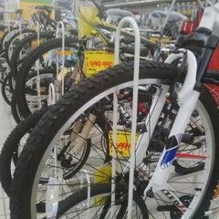 Photo taken at Giant Hypermarket by Wisma Pakuan Bogor on 5/13/2014