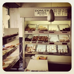 Photo taken at Peter Pan Donut & Pastry Shop by Xander H. on 4/17/2013
