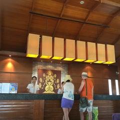 Photo taken at Horizon Beach Reaort Hotel, Karon Beach by のん on 3/3/2015