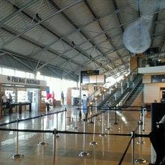 Photo taken at Aeropuerto Presidente Carlos Ibáñez del Campo (PUQ) by Fernando O. on 9/21/2012