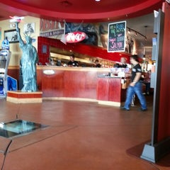 Photo taken at Red Robin Gourmet Burgers by Tim H. on 5/17/2013