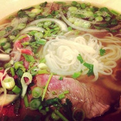Photo taken at Papaya Vietnamese Restaurant by Tiffany on 3/22/2013