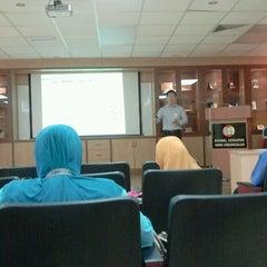 Photo taken at Makmal Kesihatan Awam Kebangsaan by Wan A. on 10/5/2012
