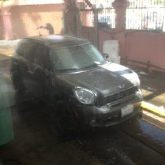 Photo taken at Uptown Touchless Car Wash by Robert M. on 5/25/2013