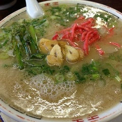 Photo taken at ふくちゃんラーメン 田隈本店 by to m. on 10/7/2012