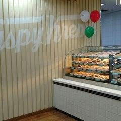 Photo taken at Krispy Kreme by Mae M. on 6/2/2015