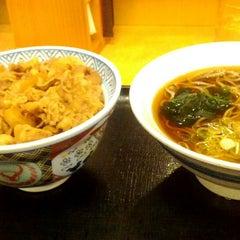 Photo taken at 吉野家 412号線厚木林店 by Chikara F. on 12/8/2013