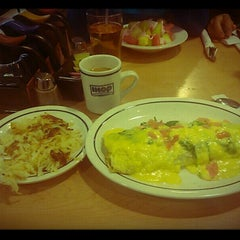 Photo taken at IHOP by Ethel R. on 9/8/2013