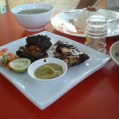 Photo taken at Waroeng Makmur by Oier on 3/2/2012