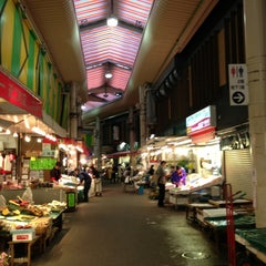Photo taken at 近江町市場(Omicho Market) by hiroshi n. on 5/16/2013