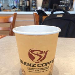 Photo taken at Blenz Coffee by Marcelo D. on 2/1/2015