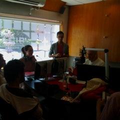 Foto tomada en Cabina de Siempre 88.9- Grupo Acir por Ana R. el 4/10/2015