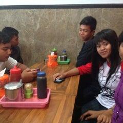Photo taken at Bakwan Bintang Malang by Arista S. on 2/28/2013