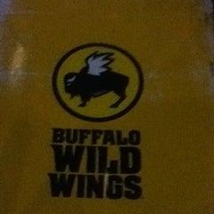 Photo taken at Buffalo Wild Wings by Joshua H. on 9/18/2013