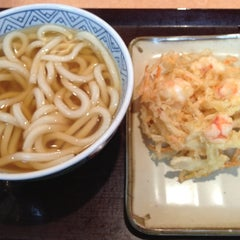 Photo taken at すなだ どんどん 箱崎T-CAT店 by NOB on 12/7/2012