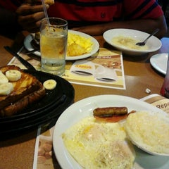 Photo taken at Denny's by Catherine C. on 9/20/2013