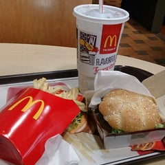 Photo taken at McDonald's by Luis M. on 11/27/2013