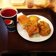 Photo taken at KFC by Worawit B. on 10/20/2013