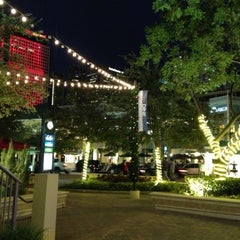 Photo taken at The Shops At Mary Brickell Village by Emilio N. on 11/5/2012
