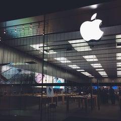 Photo taken at Apple Store, Easton Town Center by Christina P. on 11/1/2013