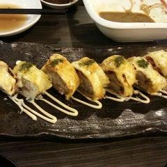 Photo taken at Hana Japanese Restaurant by Annie C. on 10/4/2014