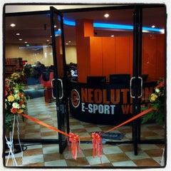 Photo taken at Neolution E-Sport Stadium (นีโอลูชั่น อีสปอร์ต สเตเดียม) by Karan N. on 11/19/2012