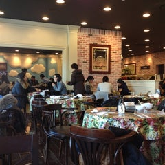 Photo taken at 애슐리 (Ashley) by huinha on 12/27/2012