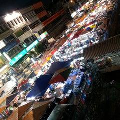 Photo taken at Pasar Malam Taman Connaught 康乐 by Mi C. on 4/17/2013