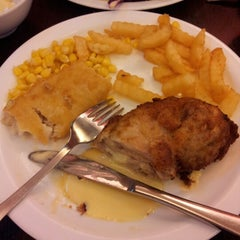 Photo taken at Secret Recipe by Norazmah A. on 3/29/2013