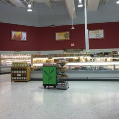 Photo taken at Publix by Lisa H. on 4/16/2015