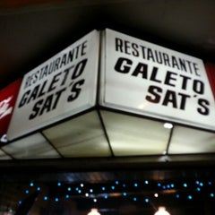 Photo taken at Galeto Sat's by Gustavo R. on 12/15/2012