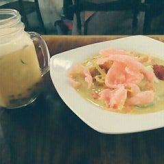 Photo taken at Coffee Box by Roel P. on 7/4/2015