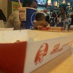 Photo taken at KFC by 73R1 on 7/19/2015