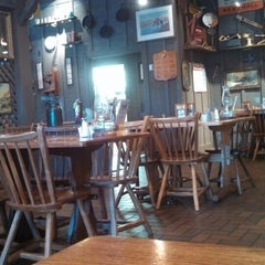 Photo taken at Cracker Barrel Old Country Store by Fat F. on 5/5/2014